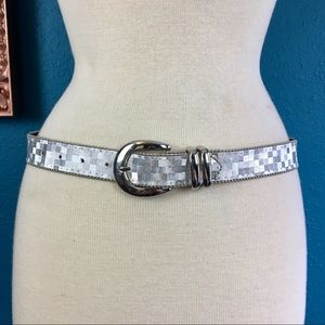 Vtg 80s silver metallic geometric print belt M